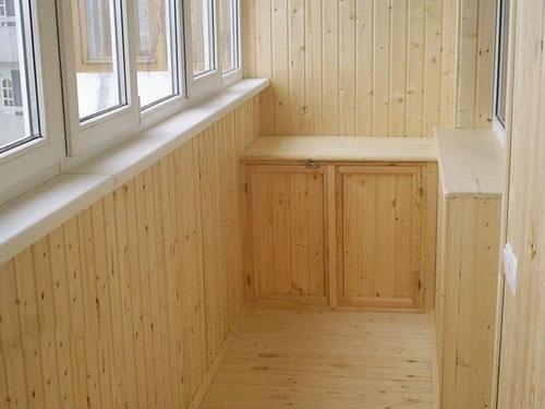 Чем покрыть деревянный пол: покраска пола своими руками