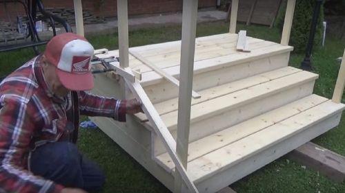 Как сделать крыльцо на даче своими руками из дерева как крепить брусы 67