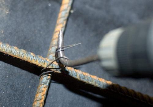 Сделать крючок для вязания арматуры 29