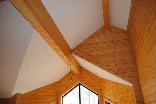 Отделка потолков на даче: материалы, монтаж своими руками, бюджетные варианты
