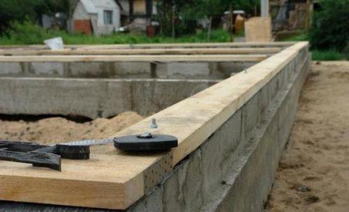 Строительство фундамента своими руками — видео